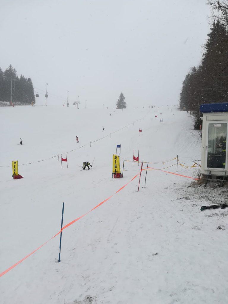 FF Bezirksschirennen 01.2020 Zieldurchlauf