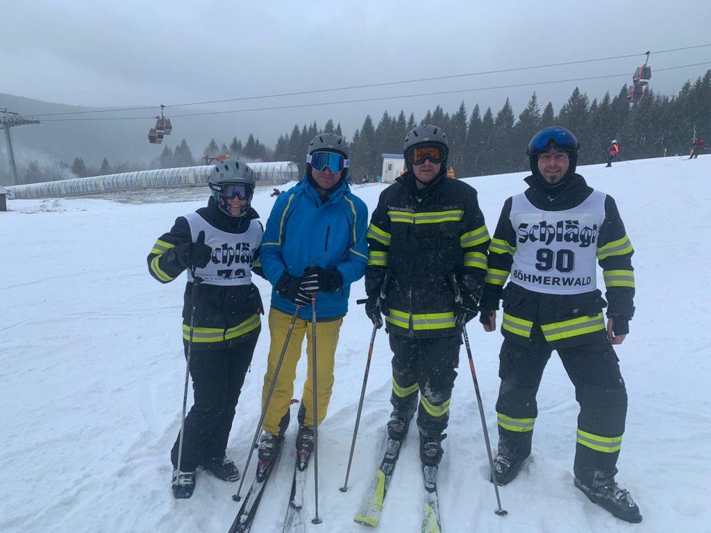 FF Bezirksschirennen 01.2020 Teilnehmer der FF Karlsbach